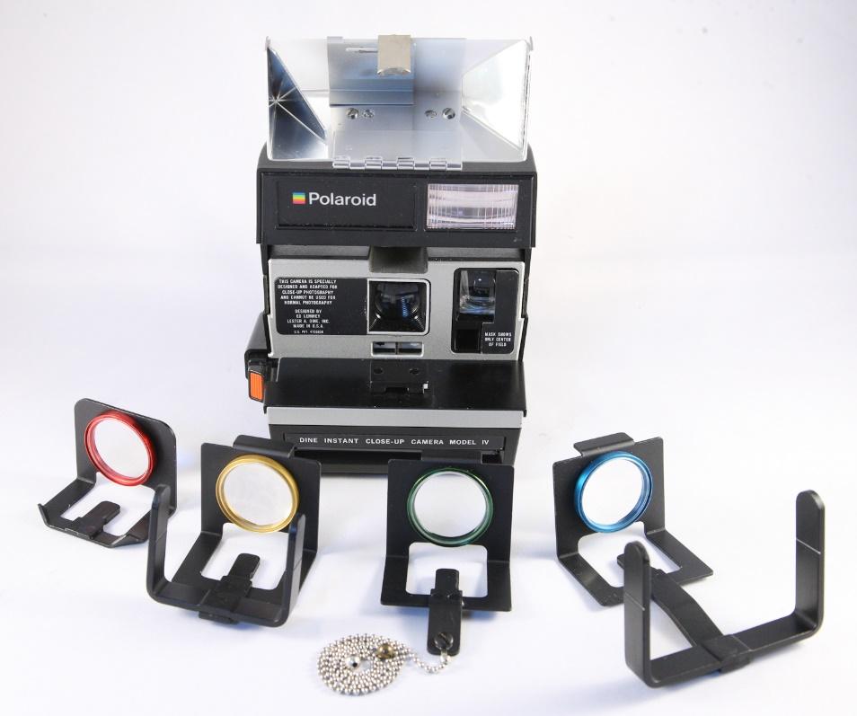 600-polaroid-camera-2